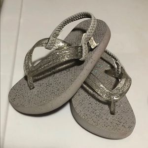 Lot of 2 pairs of Children's Place Sandals Size 6